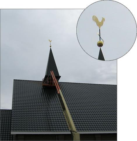 Maatwerk windwijzer Haan verguld